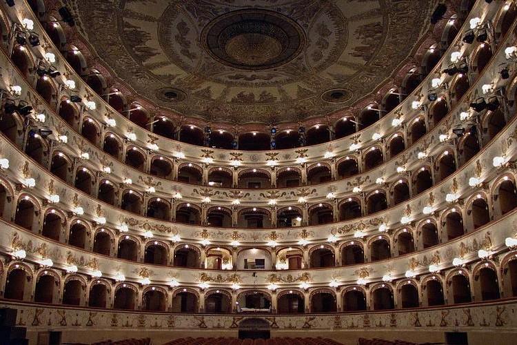 teatro_comunale_di_ferrara